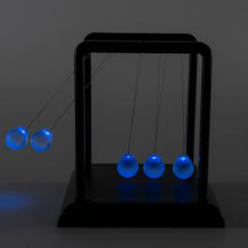 Newton`s Light-Up Cradle
