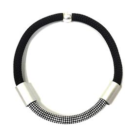 Single Rope Rectangles Necklace - Black and Silver
